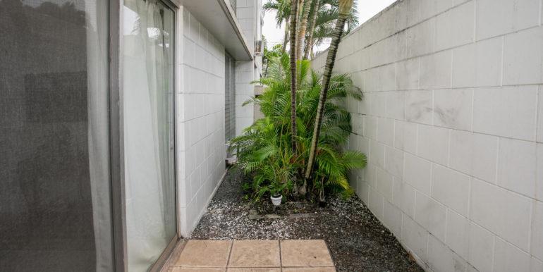 2845 Waialae Ave Unit 113-large-012-16-Side Lanai-1500x1000-72dpi