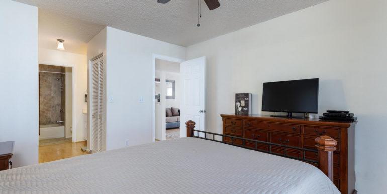 87891 Kulauku St Waianae HI-large-010-2-Master Bedroom-1500x1000-72dpi