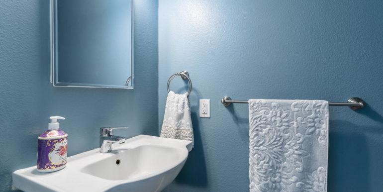 916221 Kapolei Pkwy 203 Ewa-large-007-8-Half Bathroom-1500x1000-72dpi