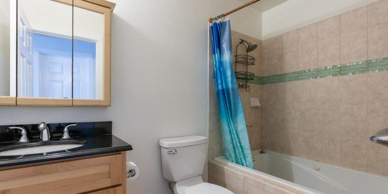1902 Kuapapa Pl Honolulu HI-025-22-Bathroom-MLS_Size