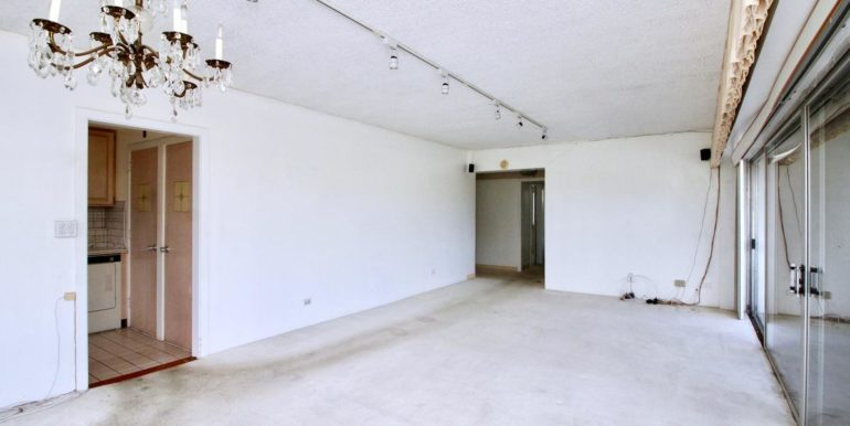 2015 Ala Wai Blvd 5C-015-33-Dining RoomLiving Room-MLS_Size