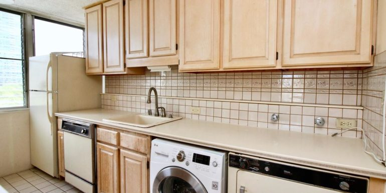 2015 Ala Wai Blvd 5C-016-12-Kitchen-MLS_Size