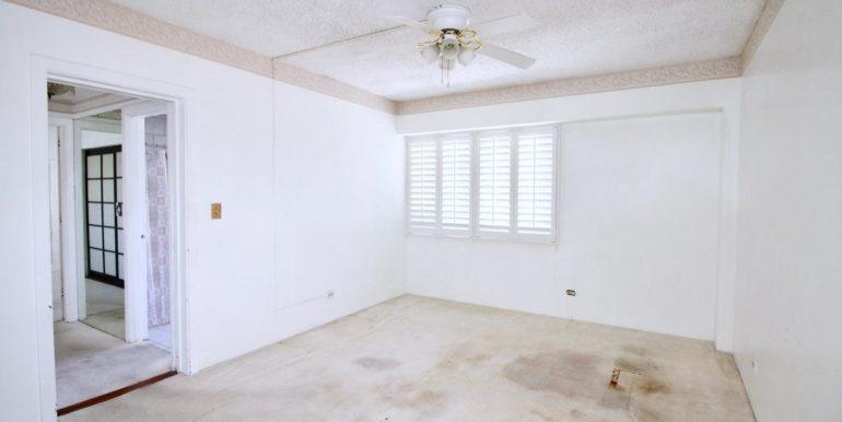 2015 Ala Wai Blvd 5C-025-18-Master Bedroom-MLS_Size