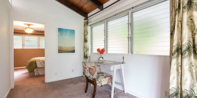1202 Kelewina St Kailua HI-017-43-Family Room-MLS_Size