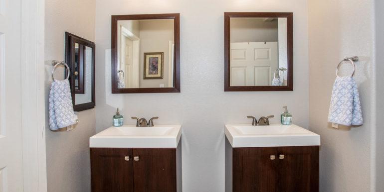 911033 Maulihiwa St Kapolei HI-large-015-22-Master Bathroom-1500x1000-72dpi