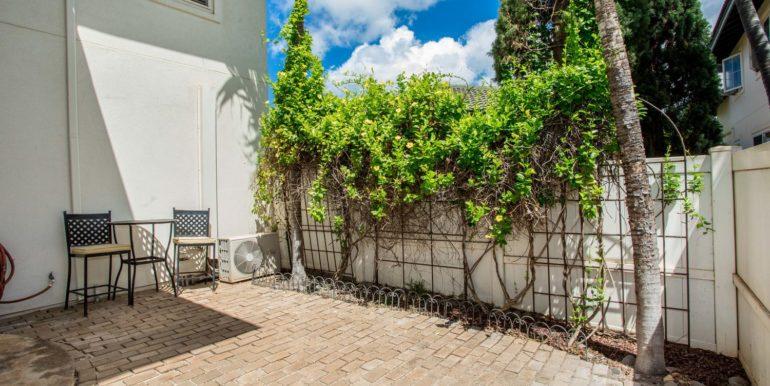 911033 Maulihiwa St Kapolei HI-large-026-16-Side Courtyard-1500x1000-72dpi