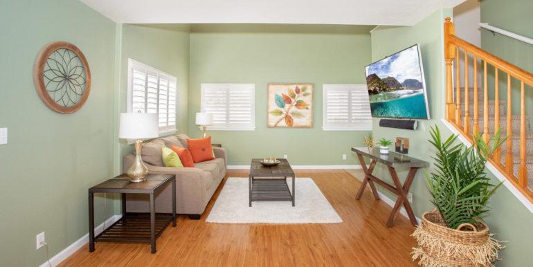 927049 Elele St Unit UNIT 40-large-007-17-Living Room-1500x1000-72dpi