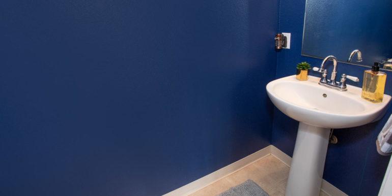 927049 Elele St Unit UNIT 40-large-015-8-Downstairs Bathroom-1500x1000-72dpi