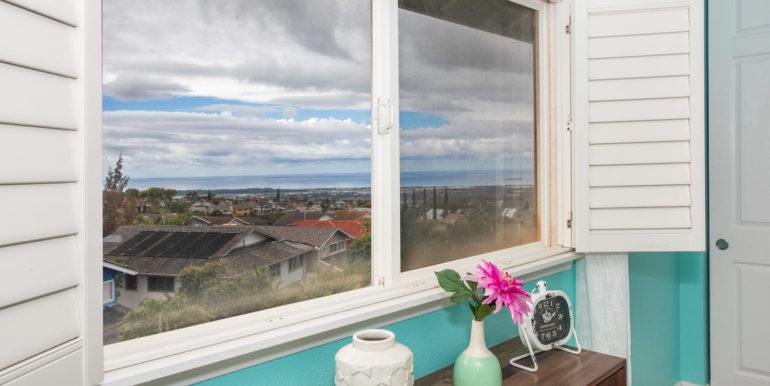 927049 Elele St Unit UNIT 40-large-020-25-Master Bedroom View-1500x1000-72dpi