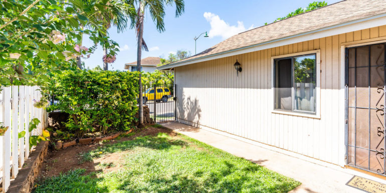 911057 Kumimi St Ewa Beach HI-004-010-Front Yard-MLS_Size