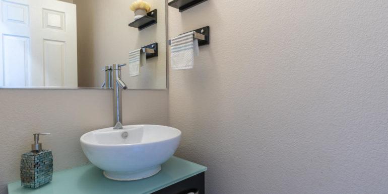 911075 Lanakoi St Kapolei HI-015-033-Half Bathroom-MLS_Size