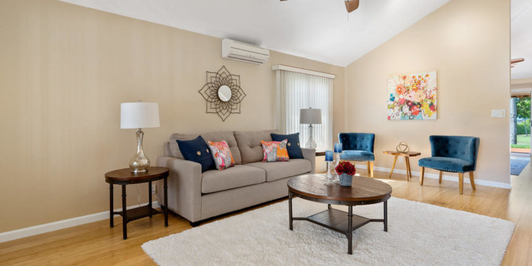 941109 Nawele St Waipahu HI-004-002-Living Room-MLS_Size