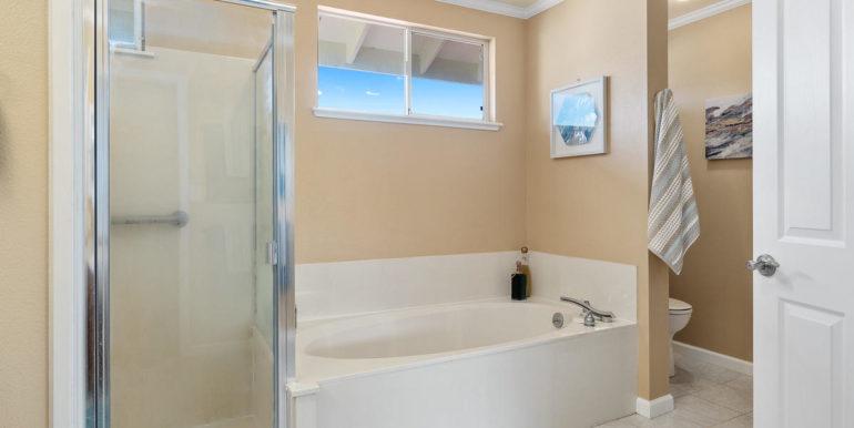 941109 Nawele St Waipahu HI-018-015-Master Bath-MLS_Size