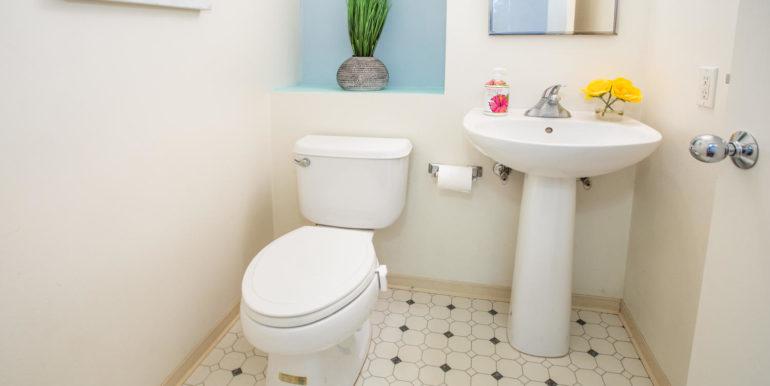 911040 Komoaina St Ewa Beach-large-009-024-Downstairs Bathroom-1500x1000-72dpi