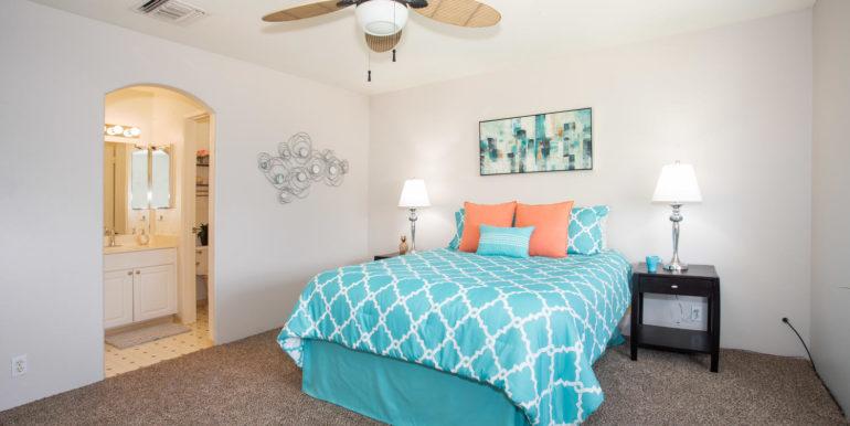 911040 Komoaina St Ewa Beach-large-014-011-Master Bedroom-1500x1000-72dpi