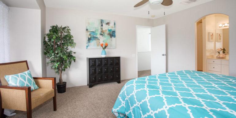 911040 Komoaina St Ewa Beach-large-015-013-Master Bedroom-1500x1000-72dpi