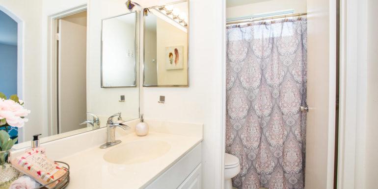 911040 Komoaina St Ewa Beach-large-016-021-Master Bathroom-1500x1000-72dpi