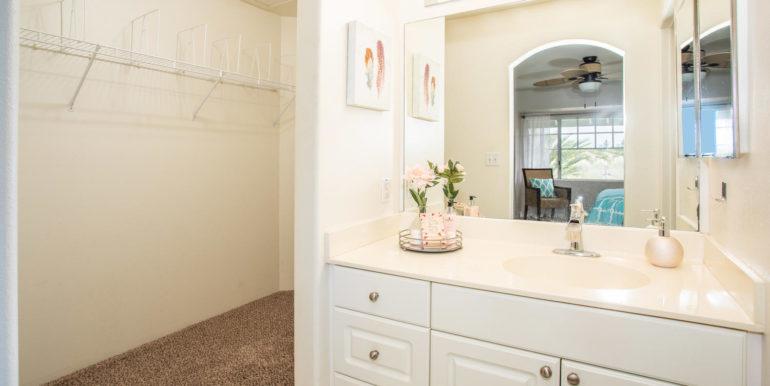 911040 Komoaina St Ewa Beach-large-017-017-Master Bathroom-1500x1000-72dpi