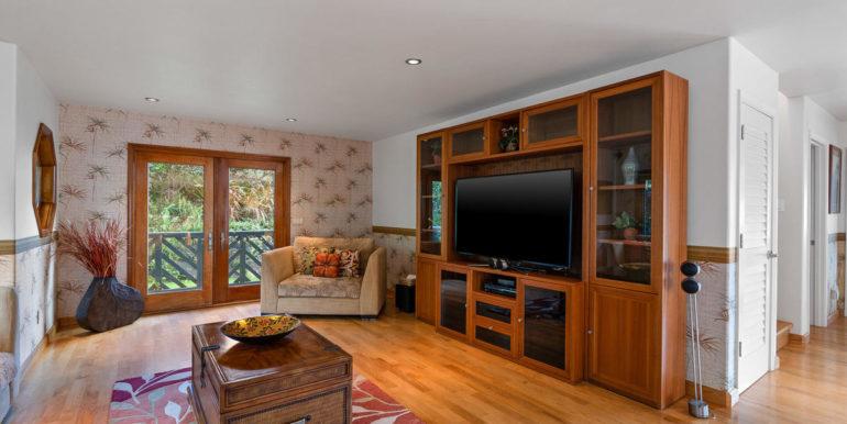 841469 Maunaolu St Waianae HI-020-016-Living Room-MLS_Size