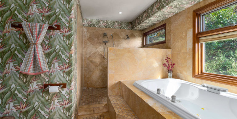 841469 Maunaolu St Waianae HI-032-033-Master Bath-MLS_Size