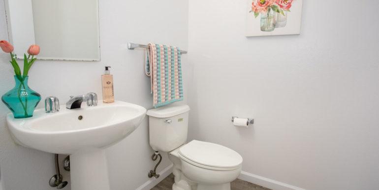 941049 Pouhana Way Waipahu HI-large-012-009-Bathroom-1500x1000-72dpi