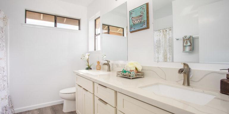 941049 Pouhana Way Waipahu HI-large-017-022-Master Bathroom-1500x1000-72dpi