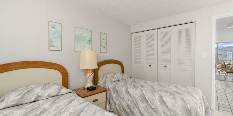 2211 Ala Wai Blvd Apt 2702-010-008-Bedroom-MLS_Size