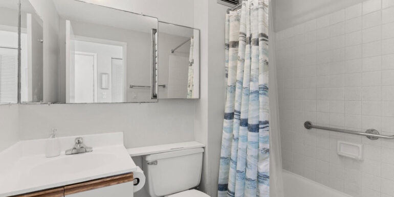 2211 Ala Wai Blvd Apt 2702-012-009-Bathroom-MLS_Size