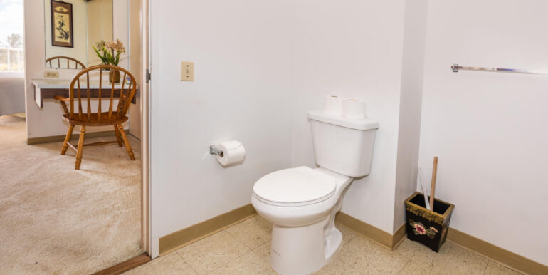 84770 Kili Dr Unit APT 435-large-021-015-Bathroom-1500x1000-72dpi