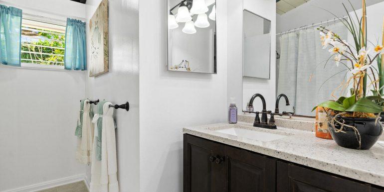 2232 Ahapule St Pearl City HI 96782 USA-019-019-Bathroom-MLS_Size