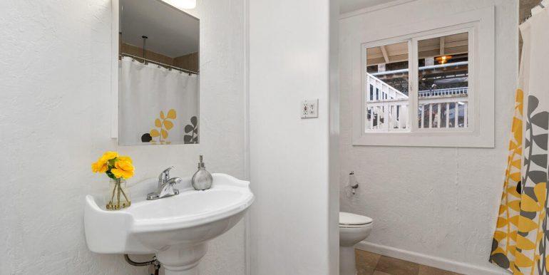 3031 Nihi St E6 Honolulu HI 96819 USA-012-008-Bathroom-MLS_Size