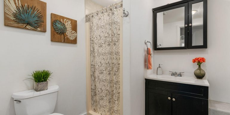 3031 Nihi St E6 Honolulu HI 96819 USA-018-016-Bathroom-MLS_Size