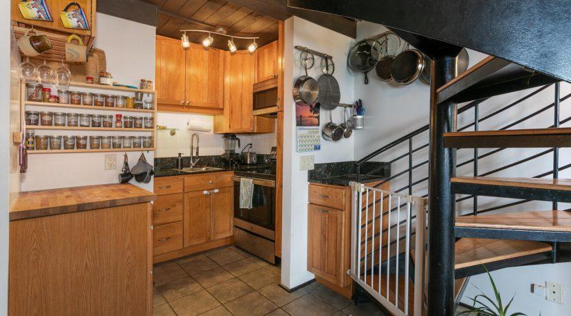 51636 Kamehameha Hwy 422-large-008-015-Kitchen-1500x1000-72dpi