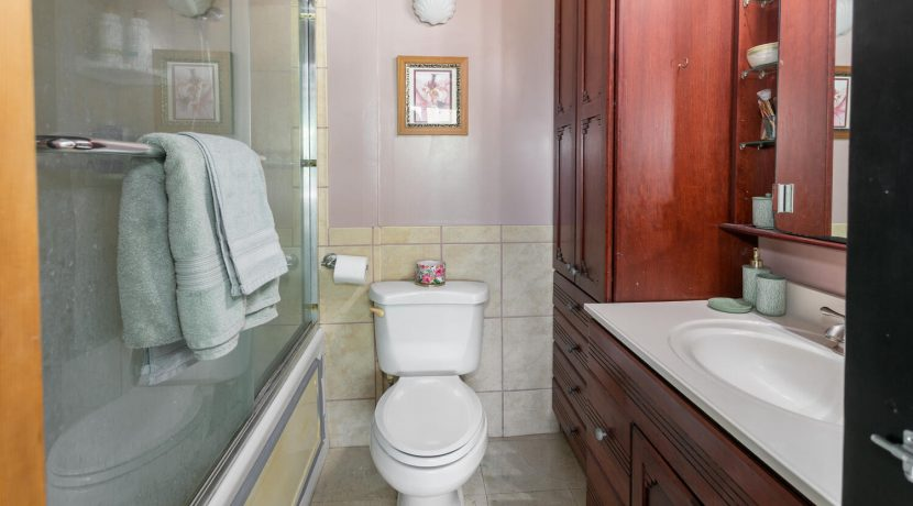 51636 Kamehameha Hwy 422-large-019-006-Master Bathroom-1500x1000-72dpi